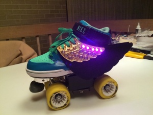 Acceleration sensitive Disco skates