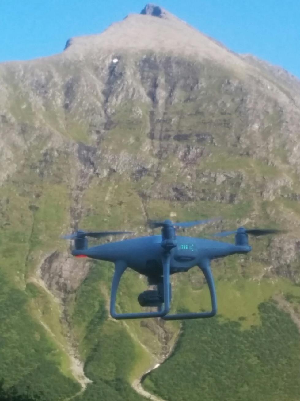 drone+mountain01